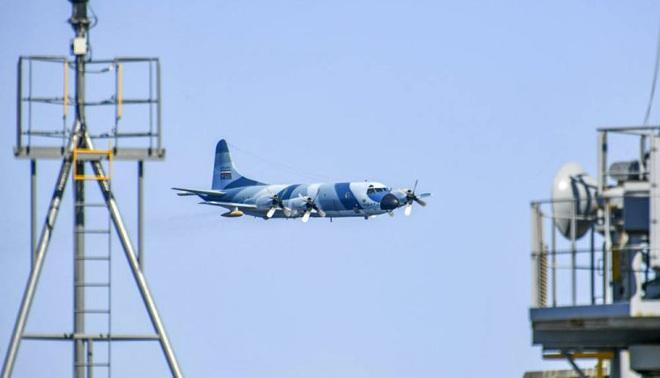 Máy bay săn ngầm Iran hạ độ cao đưa tàu chiến Mỹ vào tầm ngắm: Hành động cực kỳ liều lĩnh - Ảnh 1.