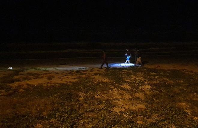 Kỳ lạ hàng chục bánh Heroin có chữ Trung Quốc trôi dạt vào bờ biển tỉnh Quảng Nam - Ảnh 1.
