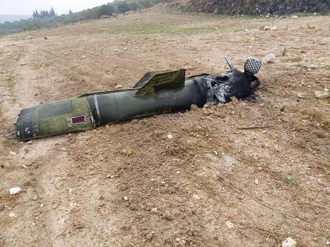 Tên lửa S-300 Syria bị ghìm cương để mặc Israel tấn công - Bất thường, Nga ùn ùn chở vũ khí hạng nặng tới Tartus - Ảnh 22.