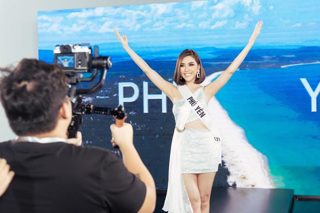 Tường Linh chinh phục Hoa hậu Hương Giang nhờ khả năng nói tiếng Anh - Ảnh 2.