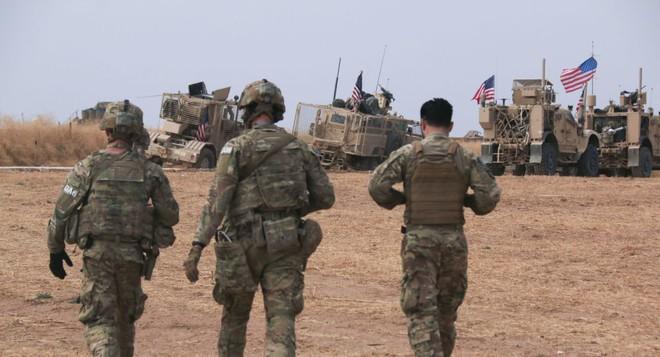 Xe quân sự Mỹ bị tấn công tới tấp, S-300, S-400 Nga tê liệt trên toàn lãnh thổ Syria - Ảnh 10.
