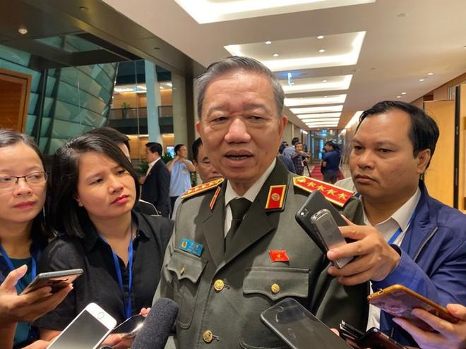 Đại tướng Tô Lâm: Đoàn Bộ Công an mang theo nhiều ADN đã đến Anh, sớm nhất 3h chiều báo cáo về - Ảnh 1.