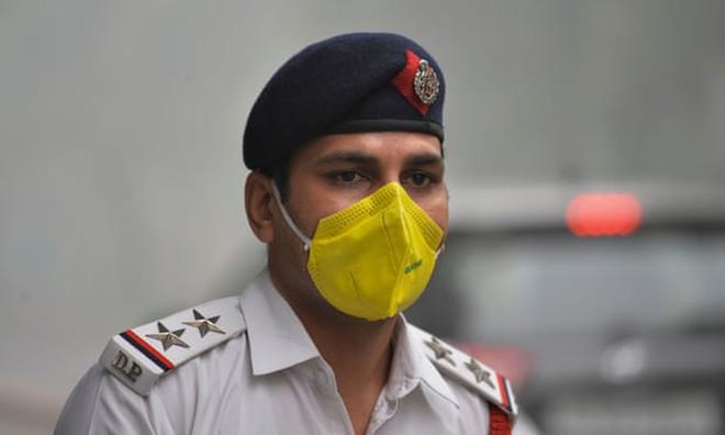 Máy bay phải chuyển hướng vì ô nhiễm không khí quá nặng - Ảnh 4.