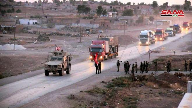 Xe quân sự Mỹ bị tấn công tới tấp, S-300, S-400 Nga tê liệt trên toàn lãnh thổ Syria - Ảnh 21.