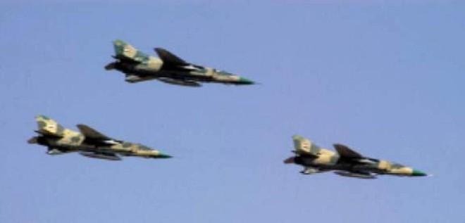 Xe quân sự Mỹ bị tấn công tới tấp, S-300, S-400 Nga tê liệt trên toàn lãnh thổ Syria - Ảnh 2.