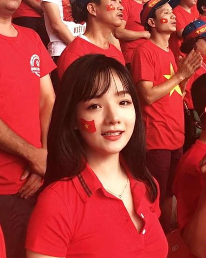 Hot girl Việt từng được đài SBS phỏng vấn khoe ảnh bầu 6 tháng, thân hình khiến tất cả bất ngờ - ảnh 1