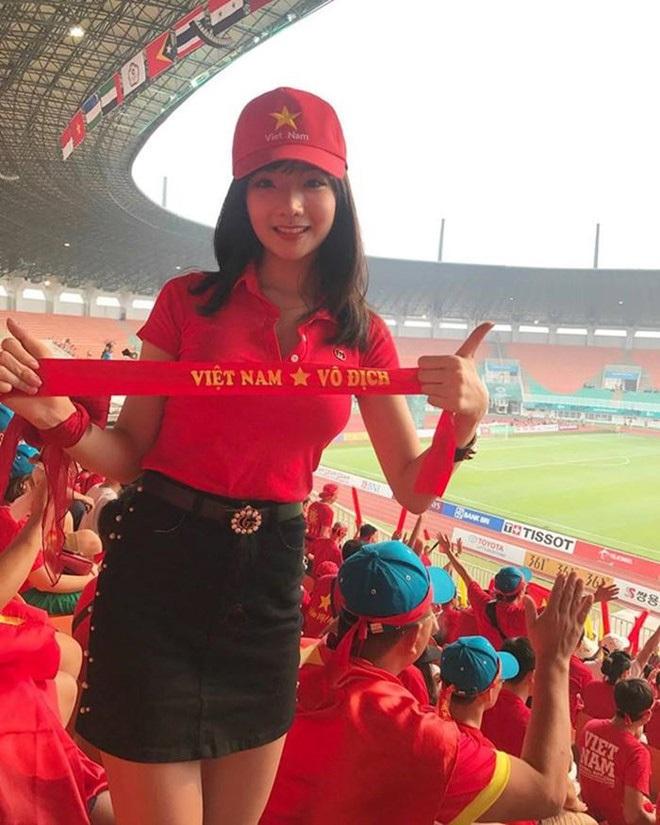 Hot girl Việt từng được đài SBS phỏng vấn khoe ảnh bầu 6 tháng, thân hình khiến tất cả bất ngờ - ảnh 2