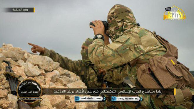 QĐ Syria tất tay ở Đồi thịt băm: Mồ chôn phiến quân hay nghĩa địa xe tăng khủng khiếp? - Ảnh 3.