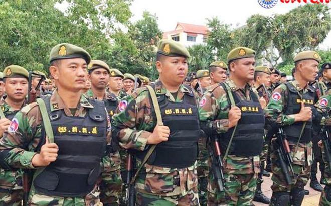 Campuchia điều quân sát biên giới Thái Lan, sẵn sàng bắt Sam Rainsy vì tội về nước âm mưu đảo chính