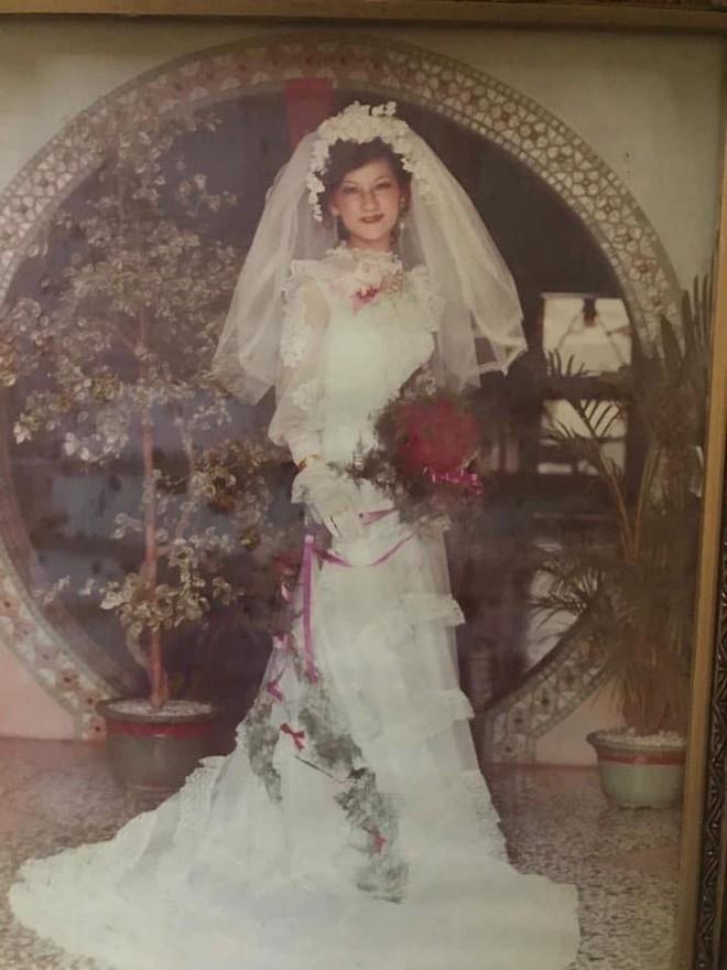 Bí quyết chinh phục cô tiểu thư nhà giàu của chàng thanh niên xa xứ: Tỏ tình mà vẫn cành cao, kết quả là một đám cưới rình rang và cuộc hôn nhân mật ngọt suốt 43 năm - Ảnh 4.