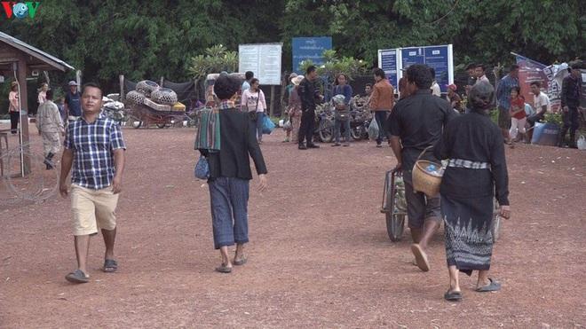 Tạm thời đóng cửa các cửa khẩu phụ dọc biên giới Campuchia-Thái Lan - Ảnh 2.