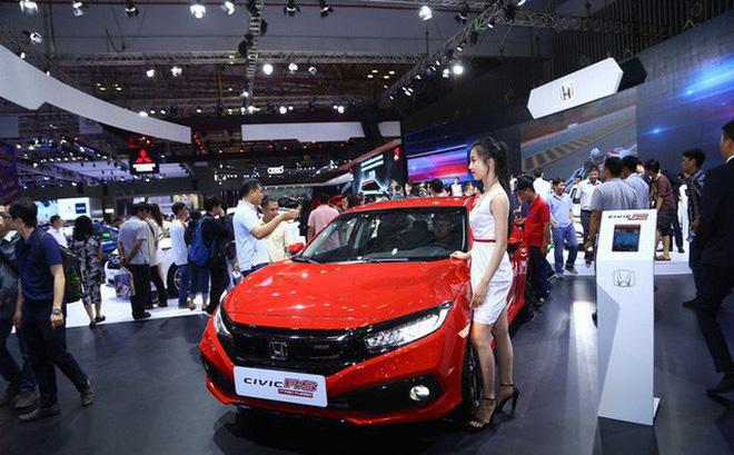 Ôtô giảm giá 200 - 300 triệu đồng không còn là chuyện hiếm