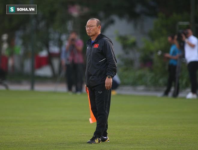 Được chi viện Quang Hải, U22 Việt Nam gây bất ngờ lớn trong trận đấu với ĐT Việt Nam - Ảnh 1.