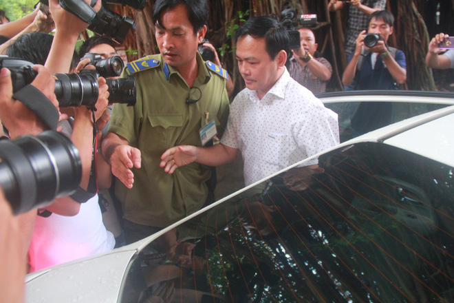 Tòa tuyên Nguyễn Hữu Linh không oan, y án 18 tháng tù về tội Dâm ô - Ảnh 2.
