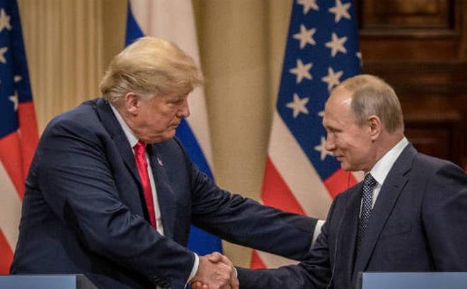 """Báo Mỹ chỉ ra bằng chứng rõ ràng nhất cho thấy ông Trump đặc biệt """"thiên vị"""" ông Putin"""