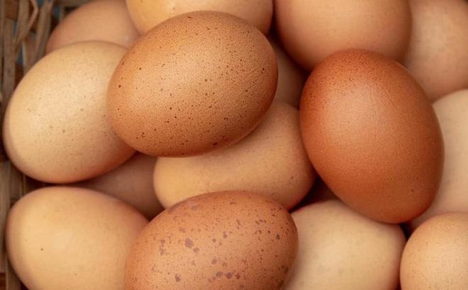 Chết tức tưởi khi cố ăn 50 quả trứng
