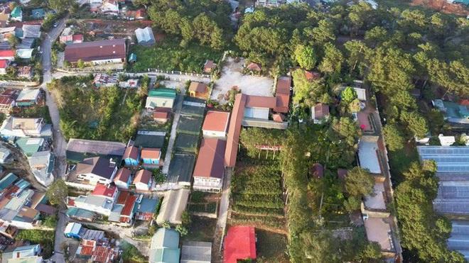 Nhà hàng hoành tráng xây dựng không phép, lấn chiếm đất rừng phòng hộ tại Đà Lạt - Ảnh 3.