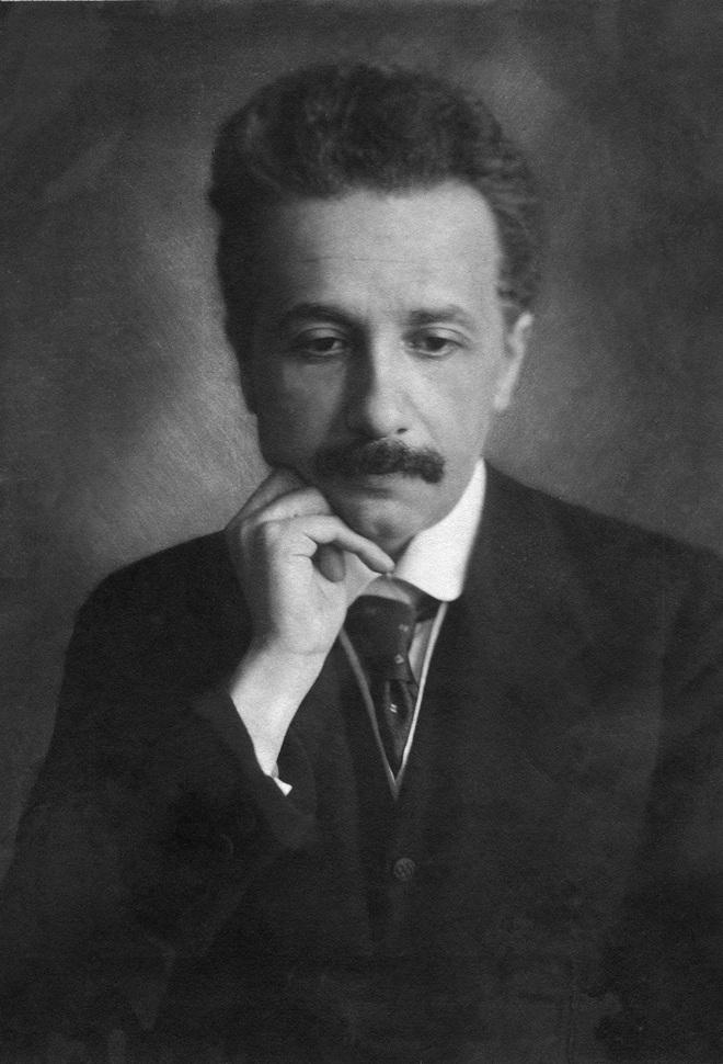Trăm năm có một: Thuyết tương đối của Einstein đã làm thế giới dậy sóng như thế nào? - Ảnh 2.