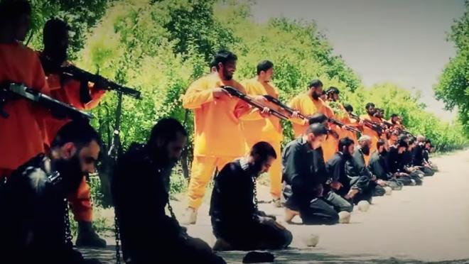 Đại chiến Syria: Người Kurd và QĐ Syria đối đầu đạo quân quỷ dữ theo chân lính Thổ? - ảnh 1