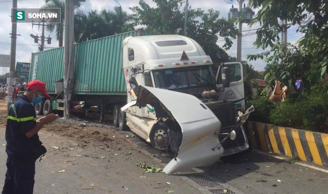 Tài xế lái xe container tông chết 5 người ở Tây Ninh bật khóc tại tòa - Ảnh 1.