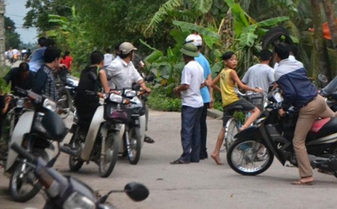 Đàn trâu lạ hung dữ húc 15 người ở Thanh Hoá