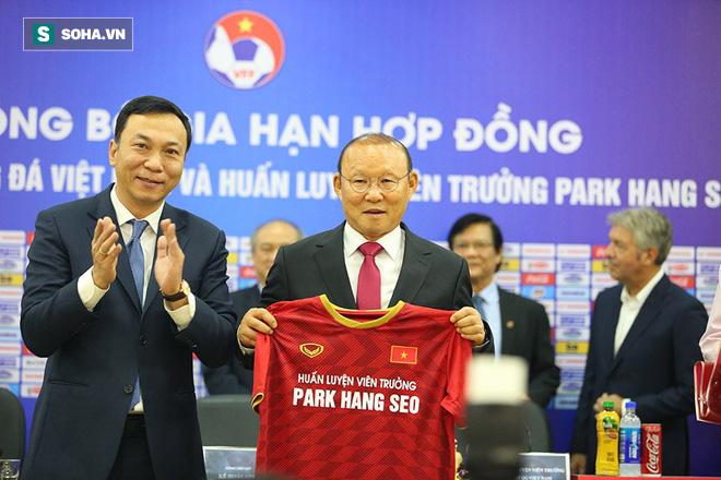 Sau lời Cảm ơn bầu Đức là cảm xúc vừa mừng vừa lo của thầy Park về tương lai tại Việt Nam - Ảnh 3.