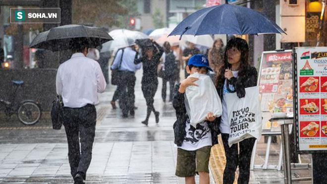 Siêu bão châu Á là siêu bão mạnh nhất thế kỷ: Không nơi nào ở Nhật an toàn trước cơn bão này - Ảnh 10.