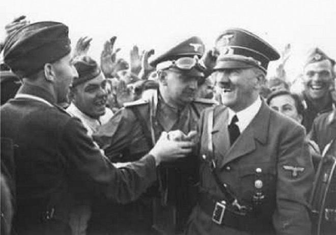 Hitler theo dõi lễ duyệt binh huyền thoại năm 1941 ra sao? - Ảnh 2.