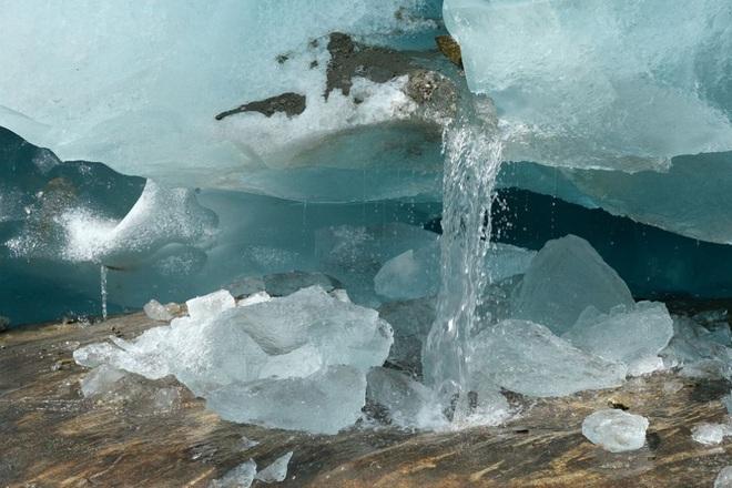 Những hình ảnh đáng báo động về sự biến mất của các dòng sông băng - Ảnh 10.