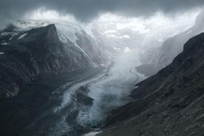 Những hình ảnh đáng báo động về sự biến mất của các dòng sông băng - Ảnh 16.