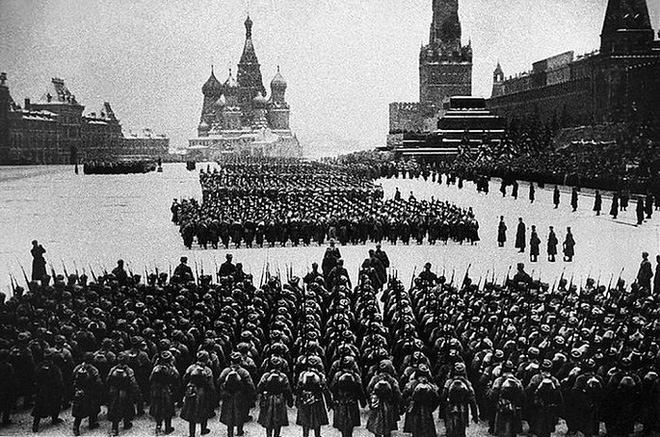 Hitler theo dõi lễ duyệt binh huyền thoại năm 1941 ra sao? - Ảnh 5.