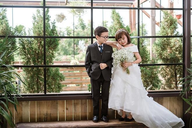 """Đám cưới của cặp đôi tí hon từng bị nhầm là """"con nít ranh"""" được tổ chức tại quê nhà, vẻ lạ lẫm của cô dâu gây chú ý - ảnh 8"""