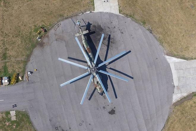 Ngấm đòn từ Ukraine, Nga xót xa nhìn trực thăng lớn nhất thế giới phải nằm đất - ảnh 10