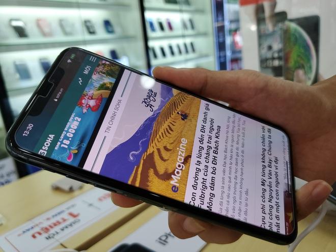Không chỉ Vsmart Live sập giá, hàng loạt smartphone đang giảm sốc cuối năm - Ảnh 2.