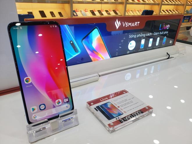 Không chỉ Vsmart Live sập giá, hàng loạt smartphone đang giảm sốc cuối năm - Ảnh 1.