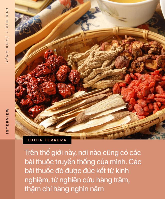 PHỎNG VẤN ĐỘC QUYỀN: TS. Dược sĩ nổi tiếng người Ý cảnh báo về mặt trái của thuốc, đường, thịt cá và tiết lộ tác dụng của hạnh phúc - ảnh 5