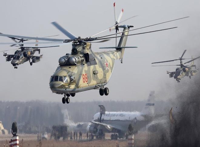 Ngấm đòn từ Ukraine, Nga xót xa nhìn trực thăng lớn nhất thế giới phải nằm đất - ảnh 4