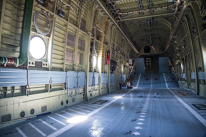 Ngấm đòn từ Ukraine, Nga xót xa nhìn trực thăng lớn nhất thế giới phải nằm đất - ảnh 8