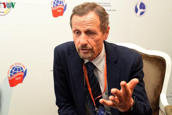 Giám đốc AMTI: Muốn độc chiếm Biển Đông, Trung Quốc mất nhiều hơn được - Ảnh 2.