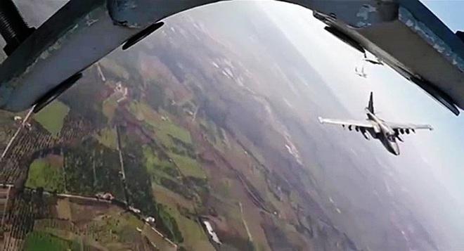 CẬP NHẬT: Tên lửa Iran vừa bắn hạ 1 máy bay không người lái, rất nghiêm trọng - Nín thở chờ phản ứng quốc tế - Ảnh 21.