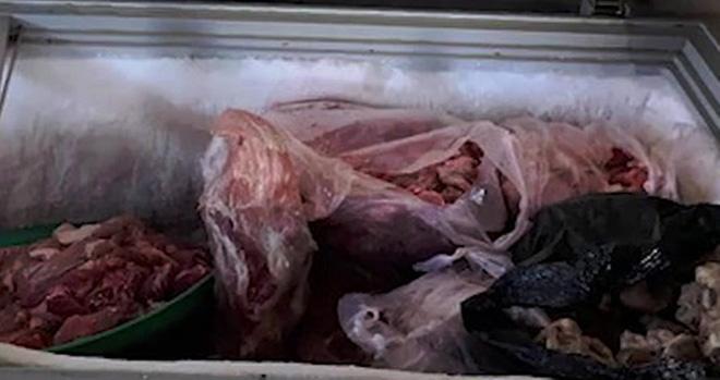 """""""Hô biến"""" thịt heo thối thành... thịt bò: Người tiêu dùng thiệt hại kép - Ảnh 1."""