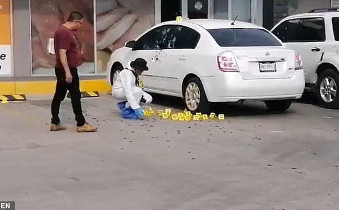 Bắt con trai trùm ma túy Mexico, cảnh sát cấp cao bị nã 150 viên đạn
