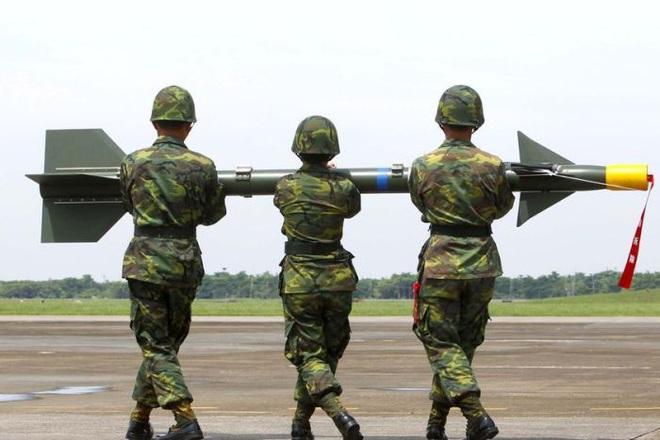 Cựu Thượng tá TQ: Bắc Kinh chỉ cần 72 giờ để kiểm soát Đài Loan, hải-không quân Mỹ muốn can thiệp cũng không kịp - Ảnh 1.