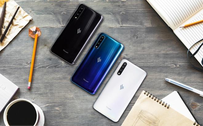 Cận cảnh mẫu điện thoại được Vingroup giảm giá 50%, đang trong tình trạng cháy hàng - Ảnh 1.