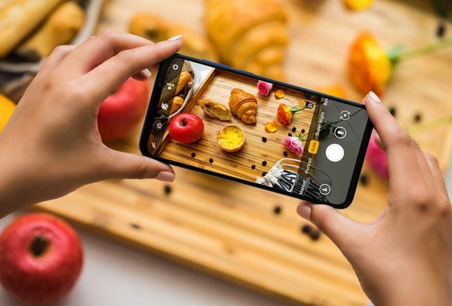 Cận cảnh mẫu điện thoại được Vingroup giảm giá 50%, đang trong tình trạng cháy hàng - Ảnh 7.