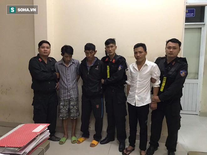Bị bắt quả tang, nhóm thanh niên đánh ô tô đi trộm chó hối lộ 15 triệu đồng cho Cảnh sát cơ động - Ảnh 1.