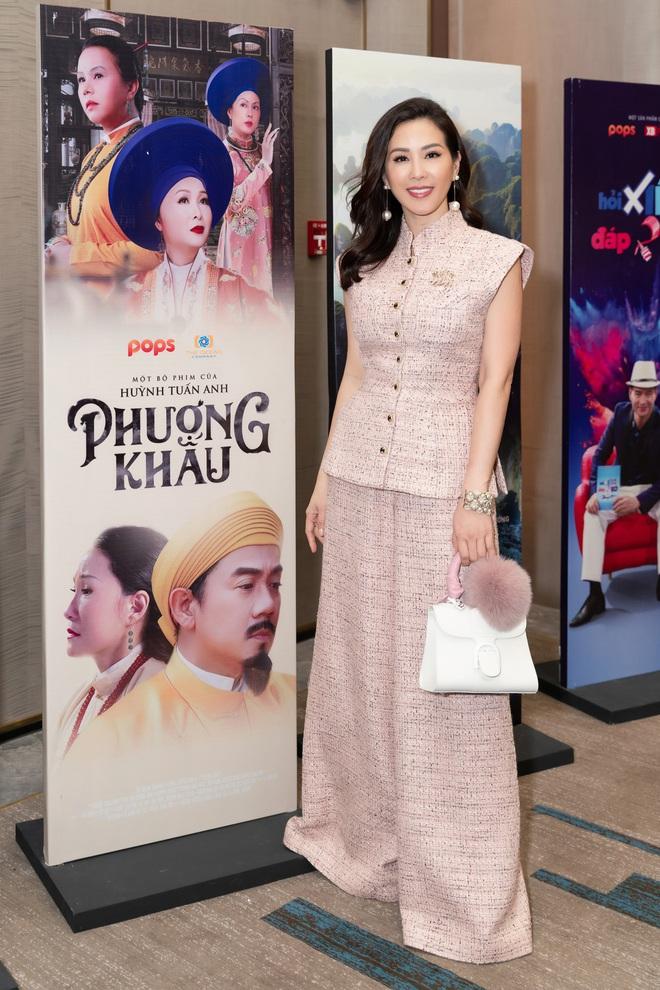 Hoa hậu Thu Hoài khoe nhan sắc trẻ trung - ảnh 3