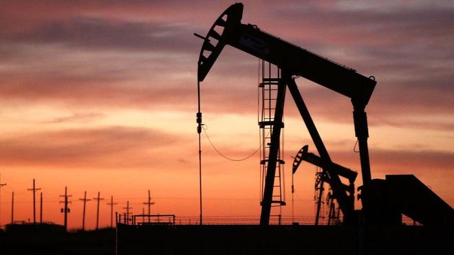 Giữ quân bảo vệ mỏ dầu, Nga nhìn thấu mũi tên trúng hai đích của Mỹ ở Syria? - ảnh 3