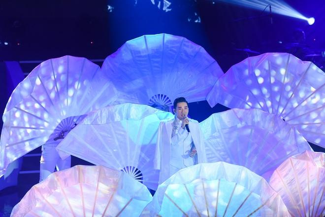 Quang Hà lại gặp sự cố ngay trên sân khấu được đầu tư hàng tỷ đồng - Ảnh 6.