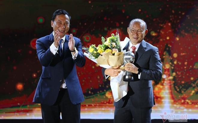 HLV Park Hang Seo hay nhất Đông Nam Á 2019, đối thủ phát hờn